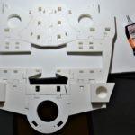 Collage des pièces du torse et du dos