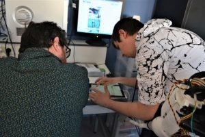 Morgan et Christopher sur la programmation